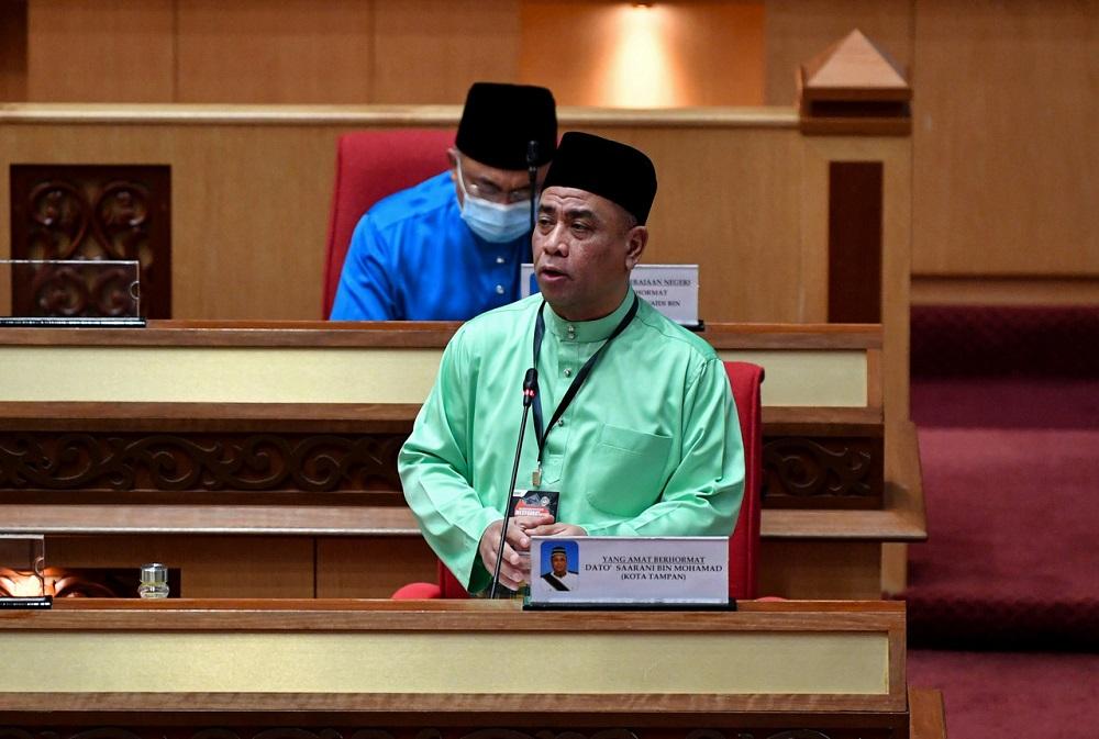Perak Mentri Besar Datuk Saarani Mohamad speaks at the State Legislative Assembly in Ipoh December 18, 2020. — Bernama pic