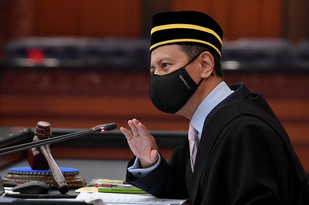 Azhar advise all lawmakers to use two face masks to curb the spread of the virus. — Bernama pic