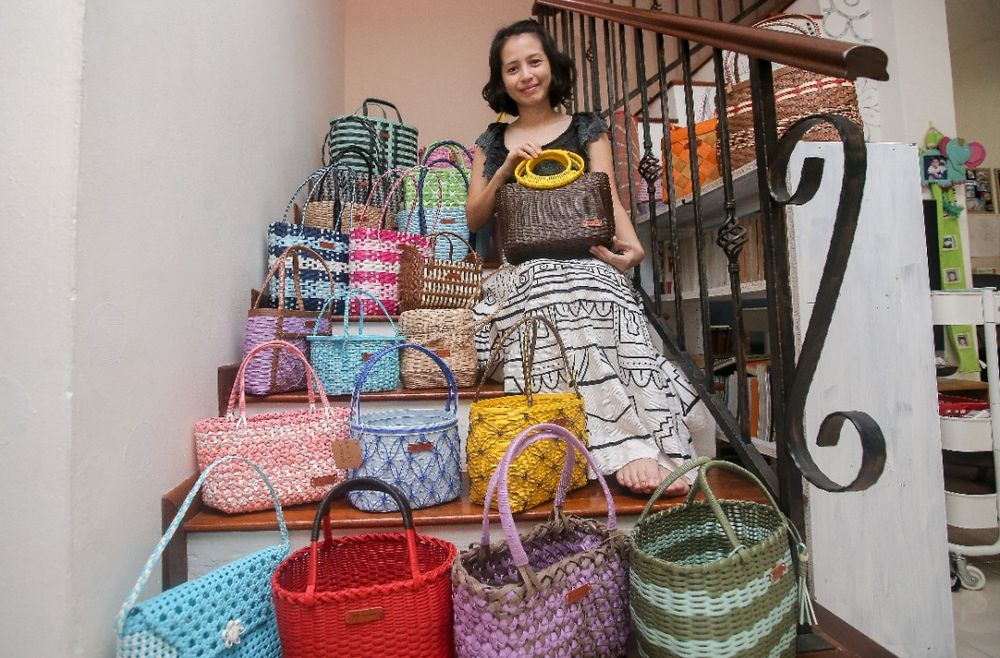 Cancer survivor Ally Ang Li Yen decided to start basket weaving to take her mind off cancer. — Picture by Farhan Najib