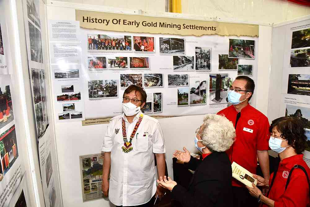 Chief Minister Datuk Patinggi Abang Johari Openg is briefed on the history of an early gold mining settlement in the Bau district December 31, 2020. — Picture courtesy of the Sarawak Information Department