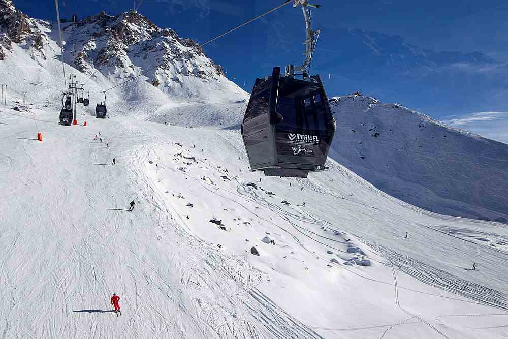 5 killed after helicopter crashes in French Alps, Europe News & Top Stories