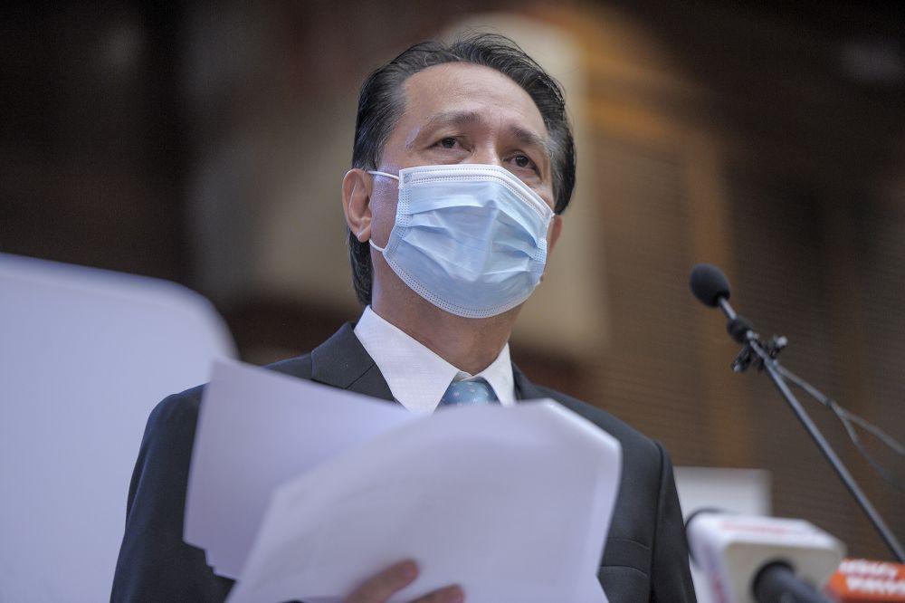诺希山周三表示,我国当天新增5个新冠病毒感染群。-Shafwan Zaidon摄-
