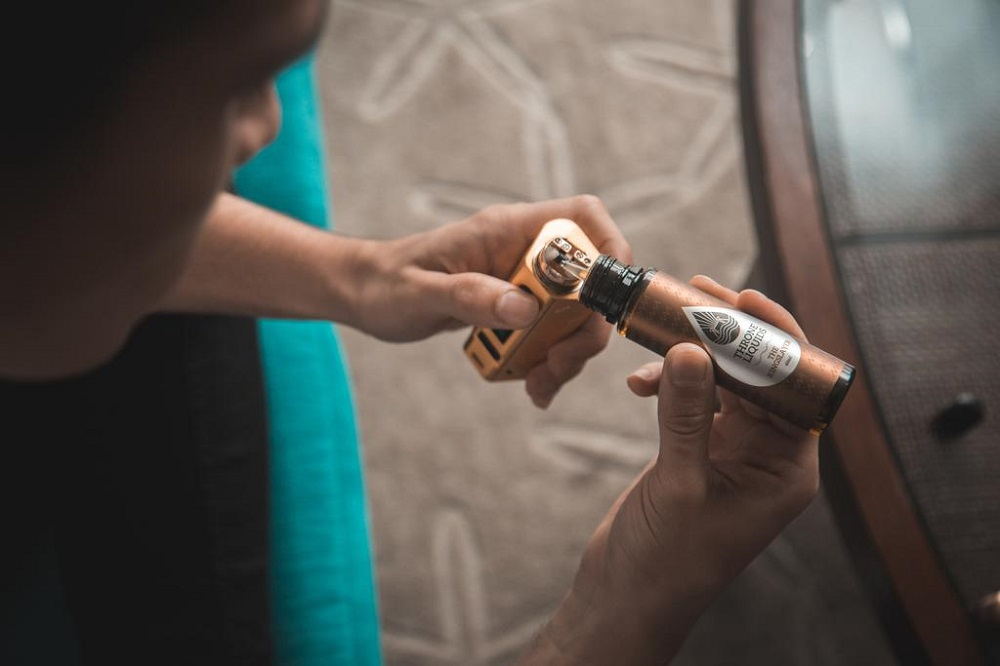 Rustam said the success of the vape e-liquids manufacturing industry can indirectly help the country overcome unemployment rates which are growing due to the Covid-19 pandemic.