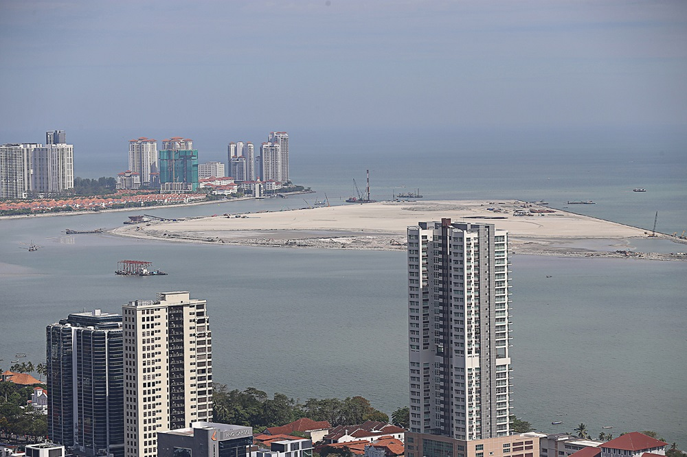 A general view of the reclaimed land at Gurney Wharf which is located at the coast of Gurney Drive in Penang September 18, 2020. — Picture by Sayuti Zainudin