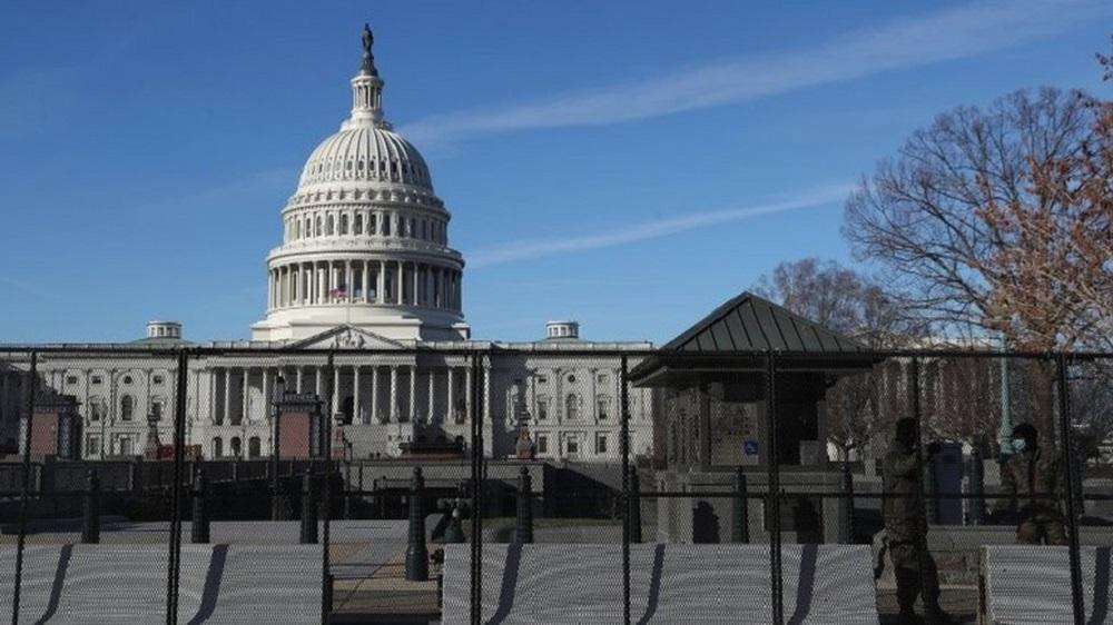 离拜登就职典礼还有一周,国会山、白宫等地区已被国民警卫队严密保护。-路透社-