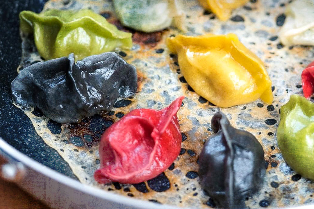'Rainbow dumplings' that use many of the same ingredients as 'guōkuī.'