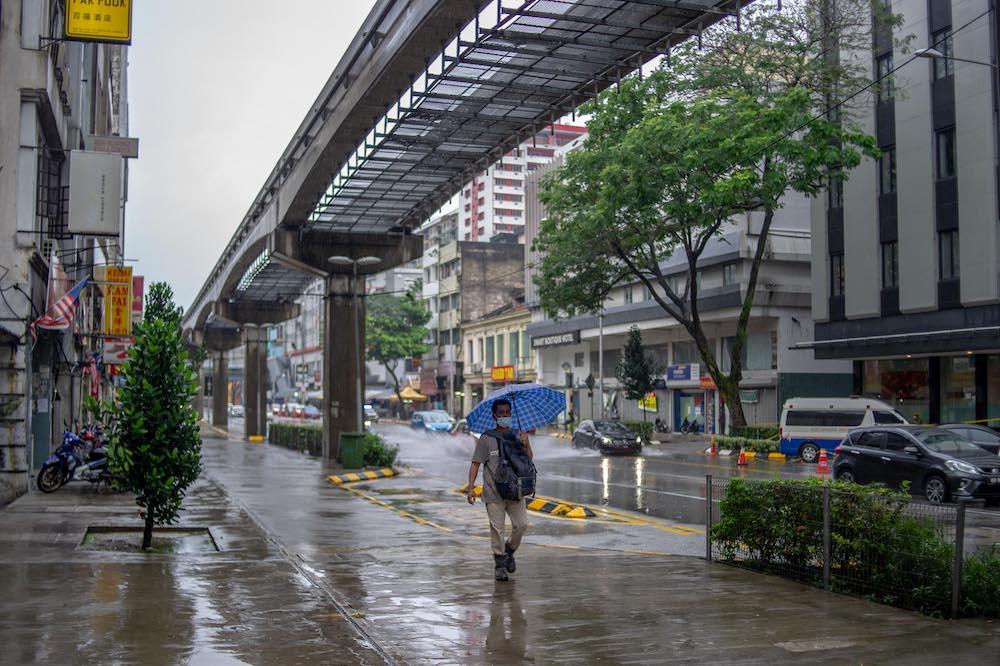 <div>Putrajaya mulls total economic shutdown after Feb 4 if Covid numbers don't improve, Eurocham Malaysia tells its members</div>