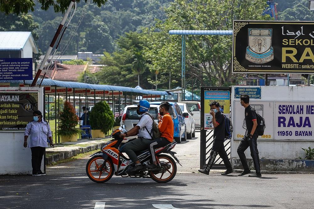 Police patrol Penang schools to ensure SOP followed