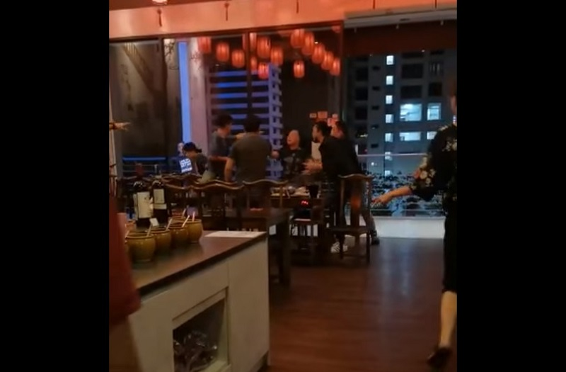 Social media users expressed their shock and anger at the incident, which occurred in Tropicana Avenue on Tuesday (January 12) which saw both men slap the younger man as well as his companion shortly before leaving the restaurant. — Screengrab via Facebook/Shinseki Mo