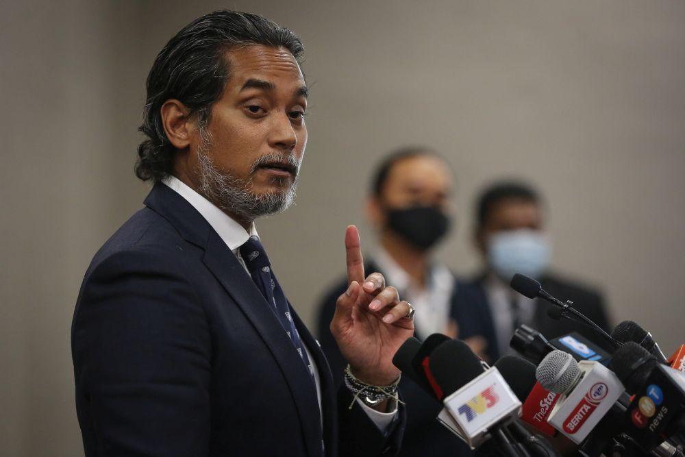 In an interview with radio station BFM 89.9 earlier today, Khairy Jamaluddin said Sinovac's regulatory submission is currently being reviewed by the National Pharmaceutical Regulatory Agency (NPRA). — Picture by Yusof Mat Isa