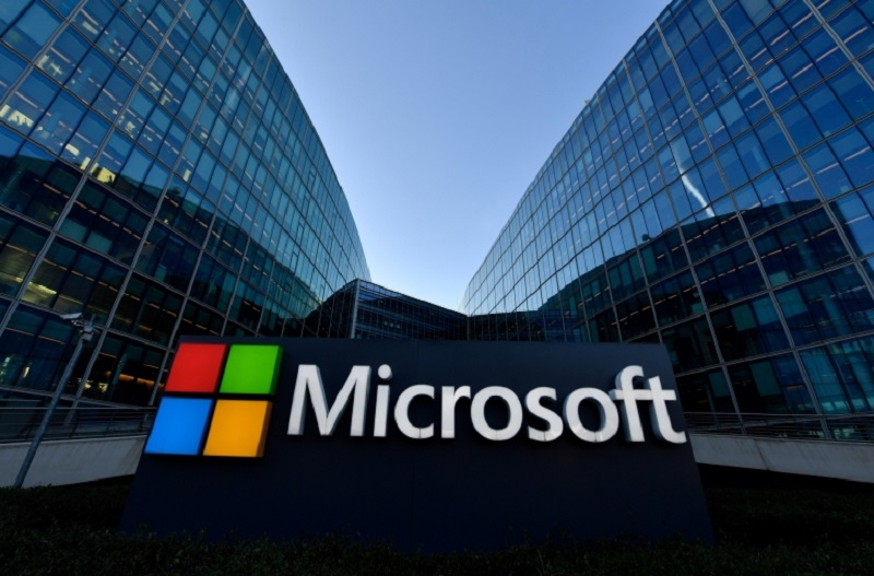 Microsoft on Thursday joined the ranks of tech companies requiring returning workers to be vaccinated. ― AFP pic