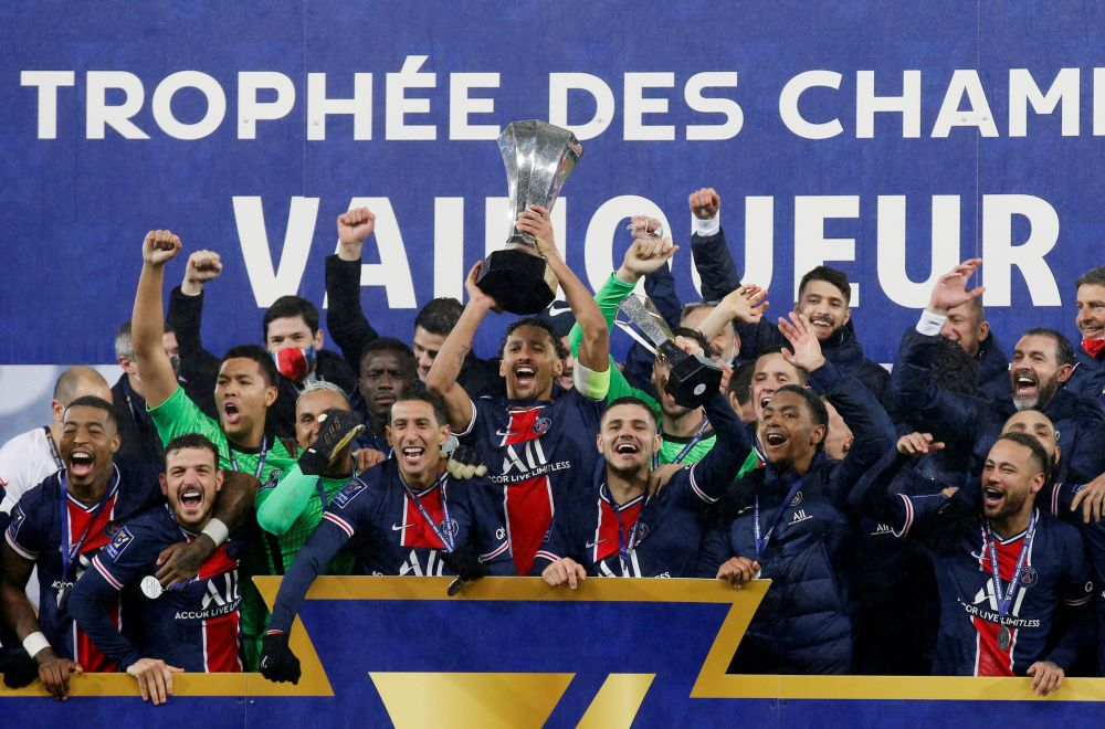 Paris St Germain players celebrate winning the Trophee des Champions at Stade Bollaert-Delelis, Lens January 13, 2021. — Reuters pic