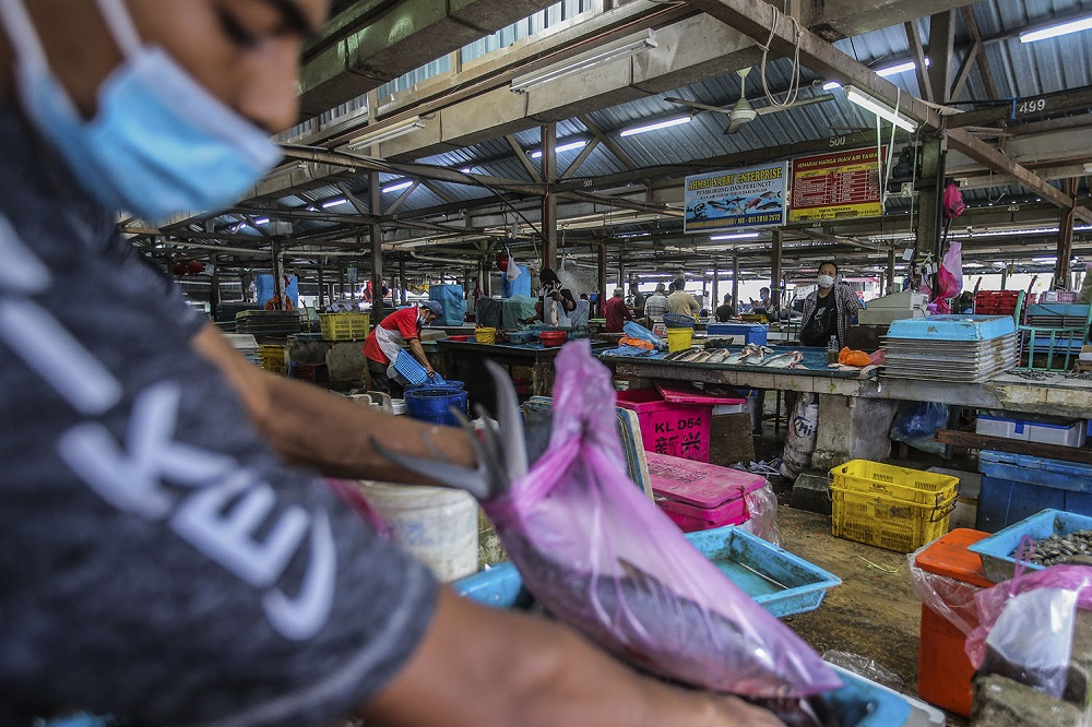 A general view of the Selayang wholesale market on Day 1 of the movement control order, January 13, 2021. — Picture by Hari Anggara