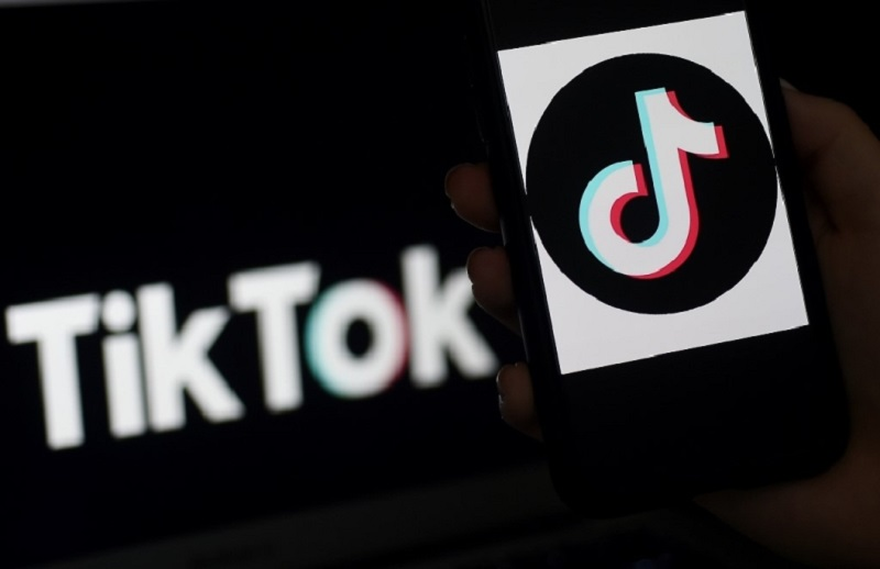 The new question-and-answer feature should be offered to other creators in the coming weeks, TikTok said. ― AFP pic