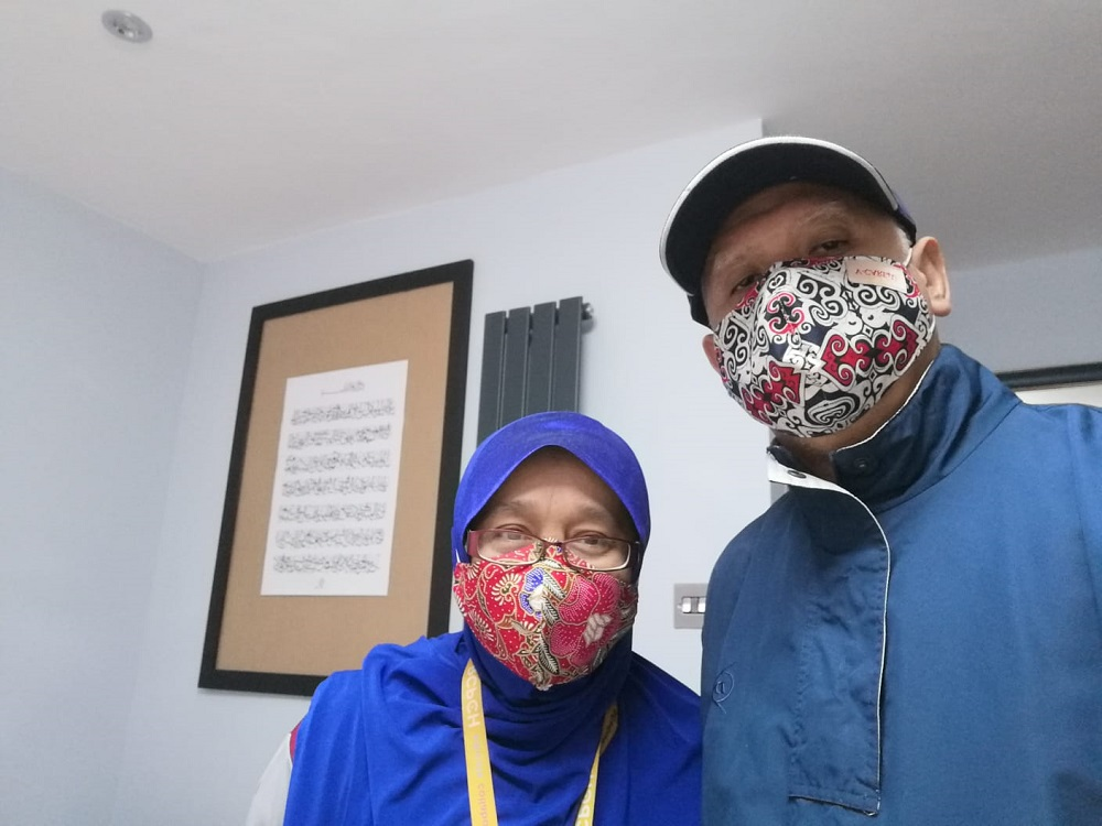 Neonatologist Dr Zainab Kassim and her husband, orthopaedic surgeon Dr Burhanuddin Busu have been actively advocating English language literacy among students living in rural areas in Sabah.  —  Picture courtesy of Sabah English Aspiration Society