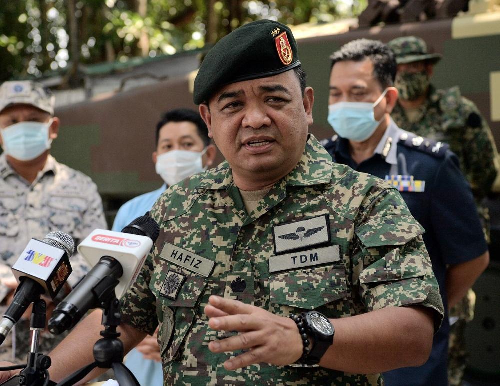 Army Western Field Commander Lieutenant-General Datuk Muhammad Hafizuddeain Jantan at a press conference in Bandar Penawar February 23, 2021. — Bernama pic