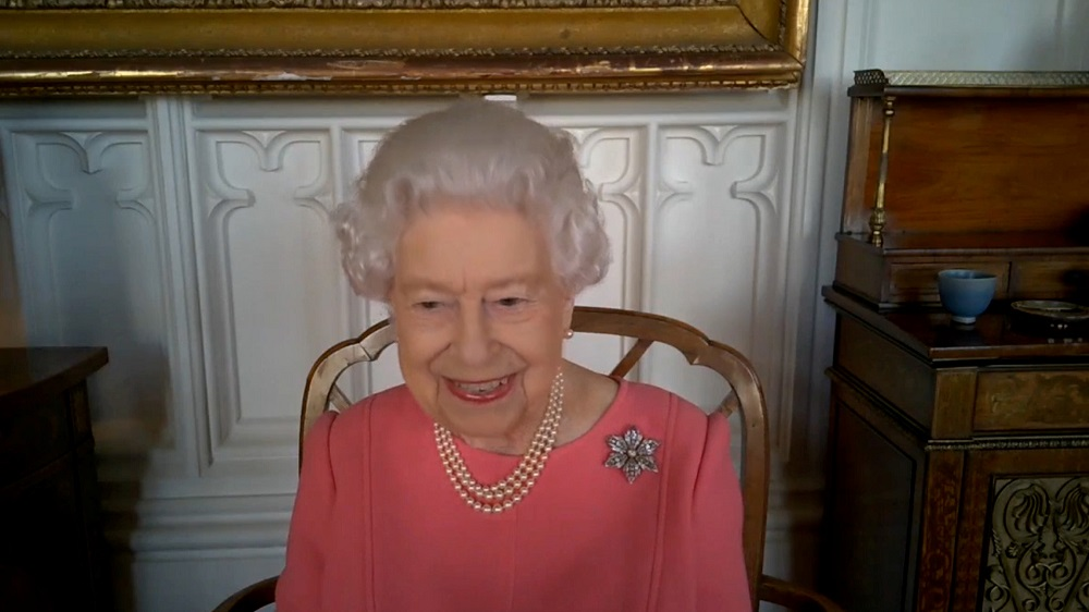 Queen heaped with praise for promoting importance of Covid vaccines