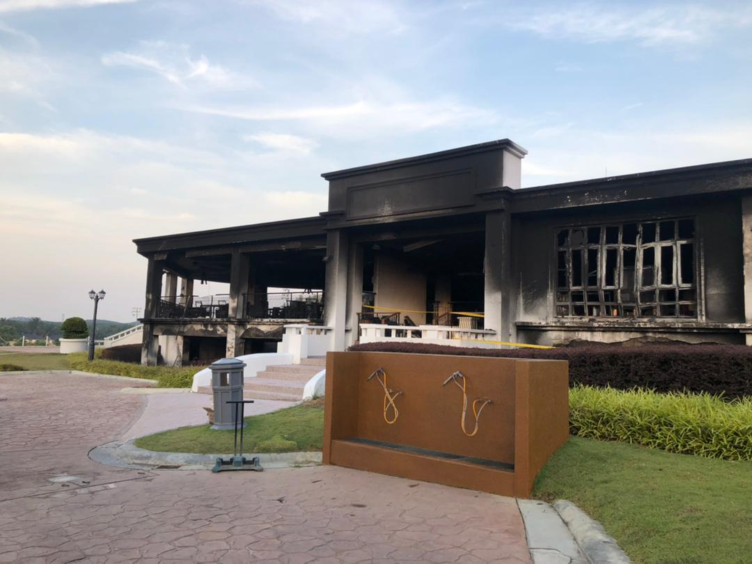 Soot marks are seen enveloping the interior and exterior ceiling and walls of the Golfers Terrace. State JBPM assistant director (Operations) Ahmad Mukhlis said the individuals, including club employees, would be called up next week to record their statements. ― Picture via social media