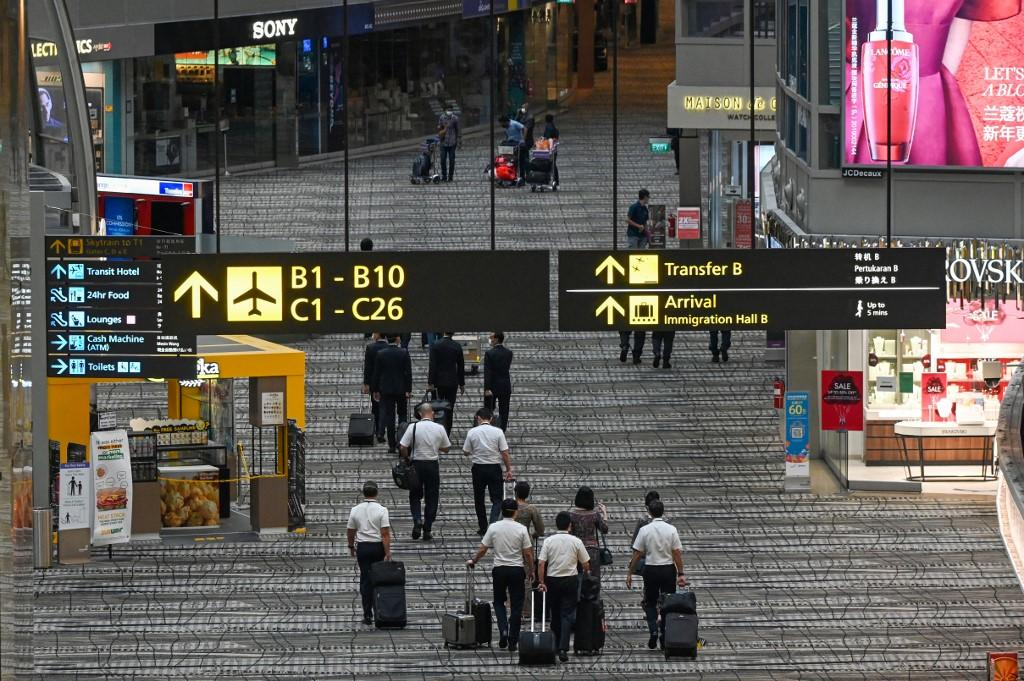 Singapore's Ministry of Health says the husband of a Singapore Airlines cabin crew member is the sole Covid-19 community case in Singapore yesterday. ― AFP pic via TODAY