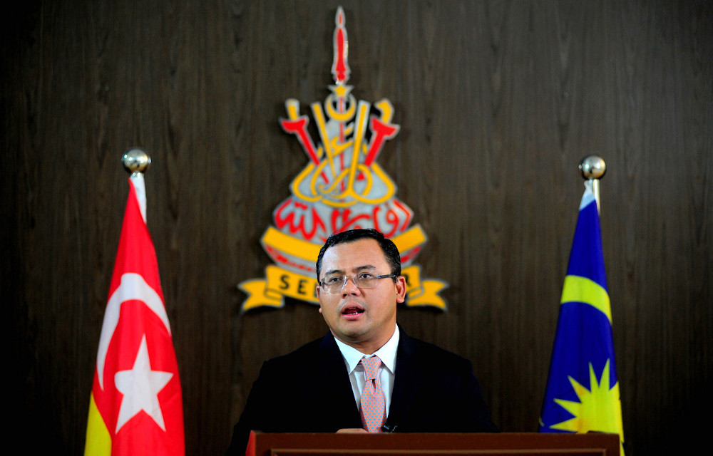 Mentri Besar Datuk Seri Amirudin Shari said the amount benefited 108,545 Selangor residents and which covered six initiatives under the state government's special package and which were fully implemented. — Bernama pic