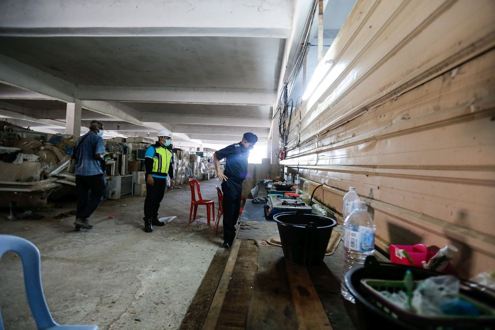 Malaysian builders' coalition seeks one-year extension from govt to adapt to amended workers' housing law