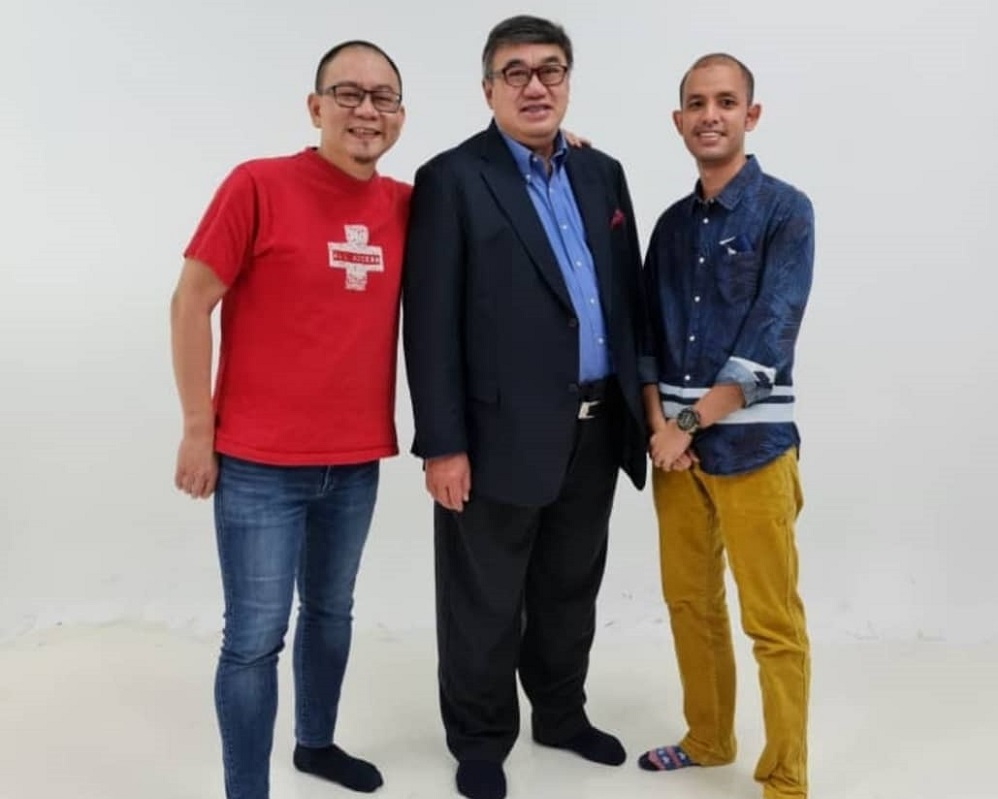 (From left) Joshua Hong, Jason Leong and a volunteer of Better Dads Malaysia. ― Picture courtesy of Jason Leong