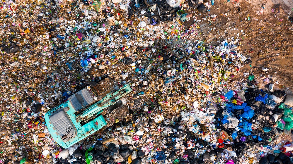Of the 121 kilos of consumer-level food thrown away each year for every person on the planet, more than half — 74 kilos — is disposed of by households. — ETX Studio pic