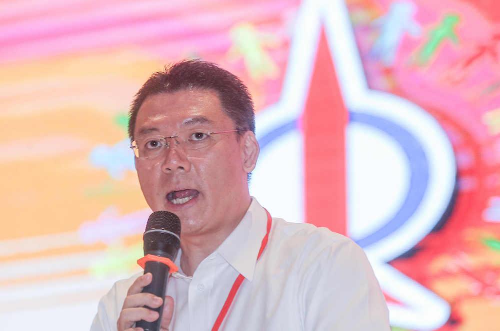 倪可敏认为,既然巫统不再支持首相慕尤丁,那38名巫统国会议员也就没有理由在议会里与慕尤丁坐在一起。-Farhan Najib摄-