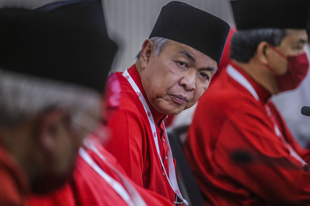 The Bagan Datuk MP reminded Umno members of the party's loss in the 14th general election, which he attributed to their failure to control social media. ― Picture by Hari Anggara