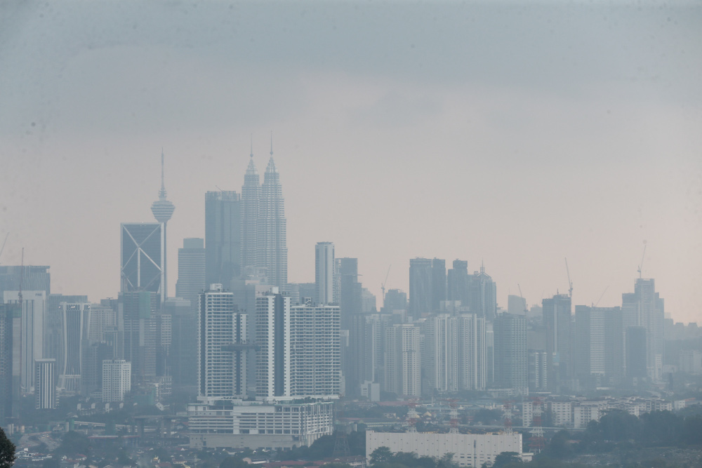 The credit rating agency said the number of issuers also hit a record high, with 39 entities tapping corporate bonds in March, from nine and 22 entities in the prior two months. —  Picture by Ahmad Zamzahuri