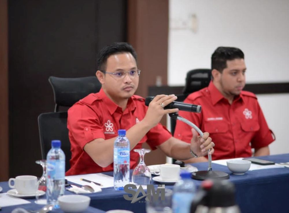 Muhd Shamsuddin questioned whether Umno was sincere in championing the people. —  Picture via Facebook