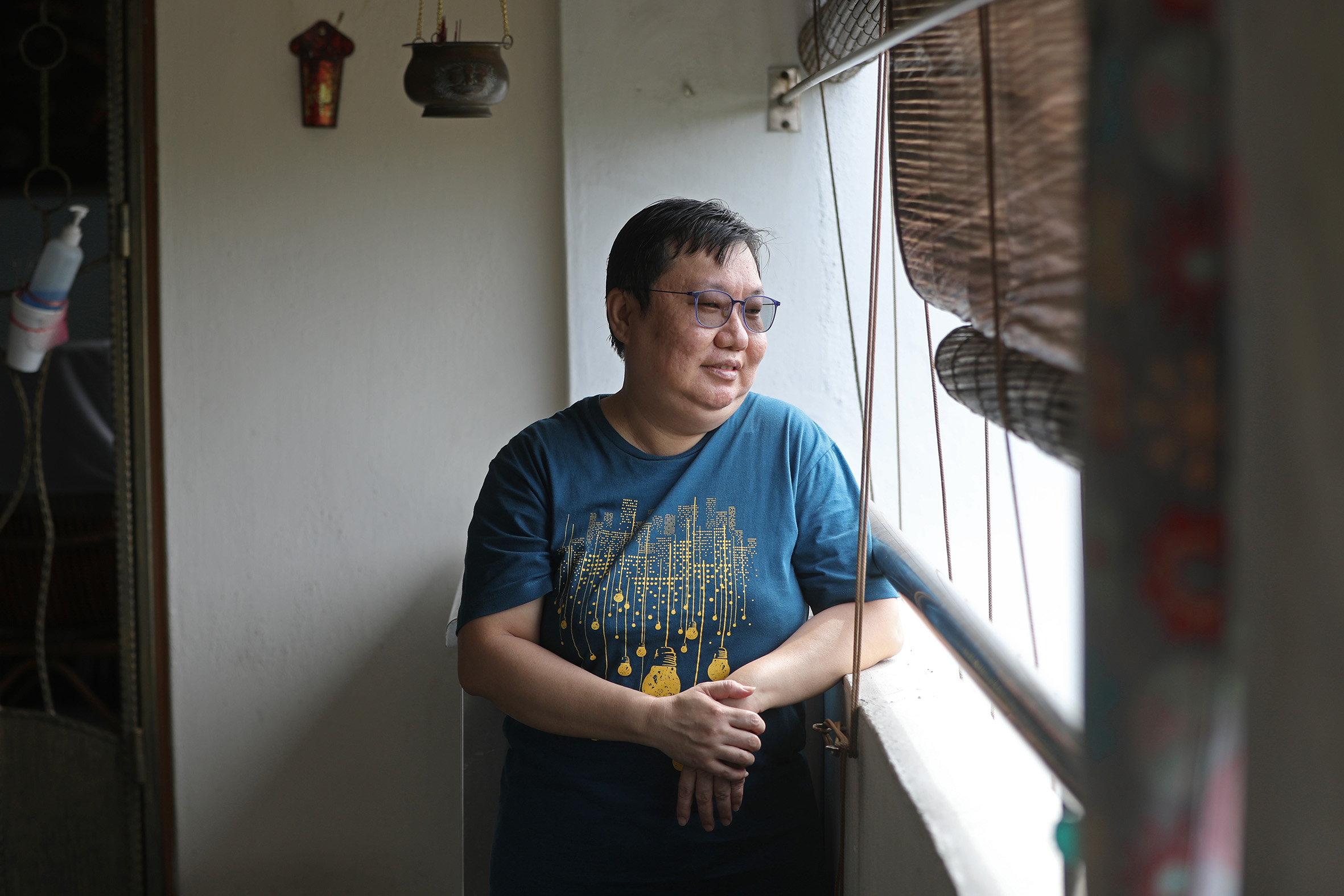 Ms Jasmine Chua thought she could strike a balance between caring for her 84-year-old dementia-stricken mother and working part-time as a clinic assistant, even though she was often running low on sleep as the elderly woman kept waking her up at night to