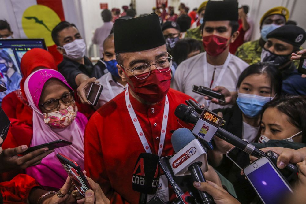 Datuk Seri Hishammuddin Hussein speaks to reporters during the Umno general assembly in Kuala Lumpur March 28, 2021. — Picture by Hari Anggara