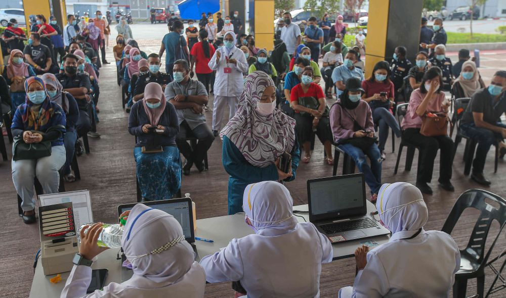To date, 361,085 individuals, who form 42.5 per cent of the state's population, have registered for Covid-19 vaccination and they are reminded to keep to their appointments. — Picture by Farhan Najib