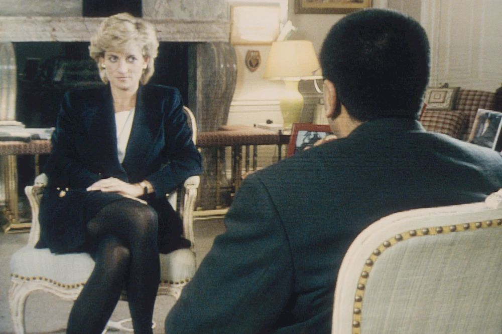 Martin Bashir interviews Princess Diana in Kensington Palace for the television program Panorama. — Getty Images/AFP pic