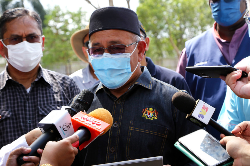 Environment and Water Minister Datuk Seri Tuan Ibrahim Tuan Man said that the plastic waste was in compliance with the criteria of B3011 Basel Convention. — Bernama pic