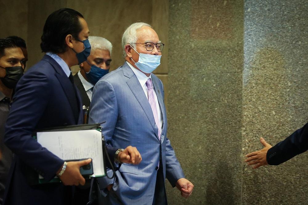 Former prime minister Datuk Seri Najib Razak arrives at the Court of Appeal in Putrajaya April 7, 2021. ― Picture by Yusof Mat Isa