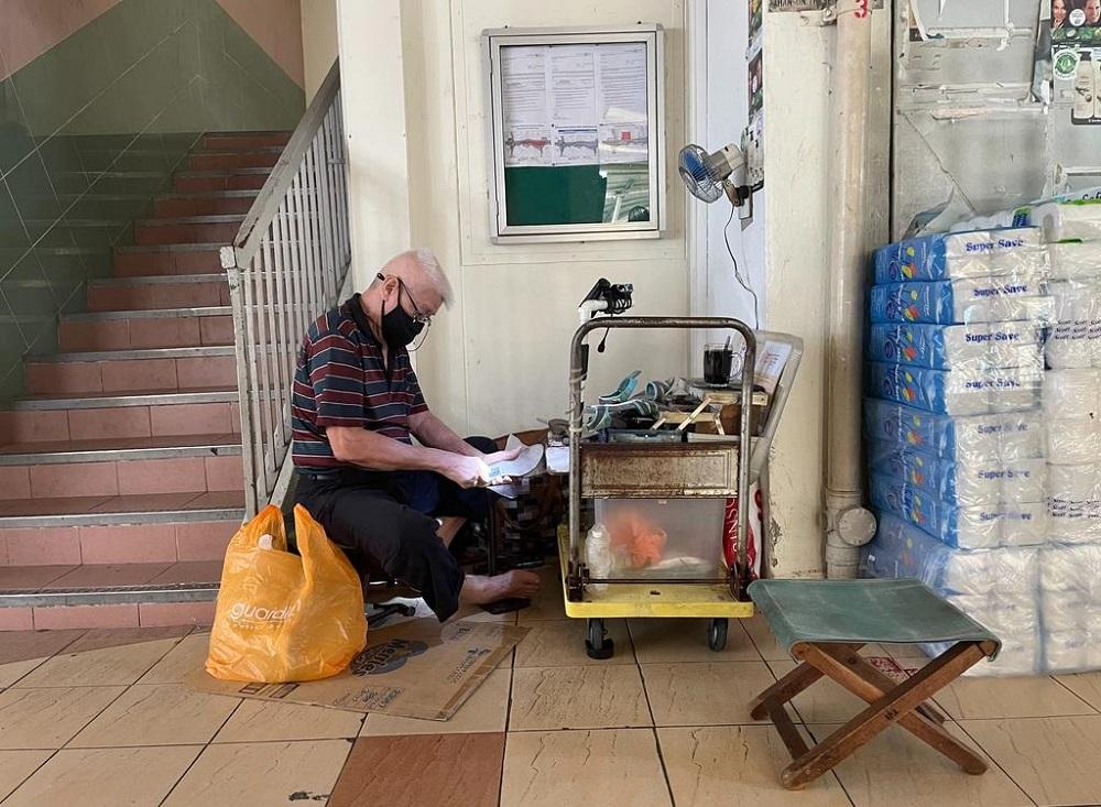 Cobbler Yeong Miow Hor, 81, a street vendor who operates in Marine Parade housing estate. — TODAY pic