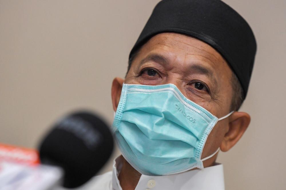 Datuk Seri Shahidan Kassim speaks to the media at a press conference in Kuala Lumpur, April 24, 2021. — Bernama pic