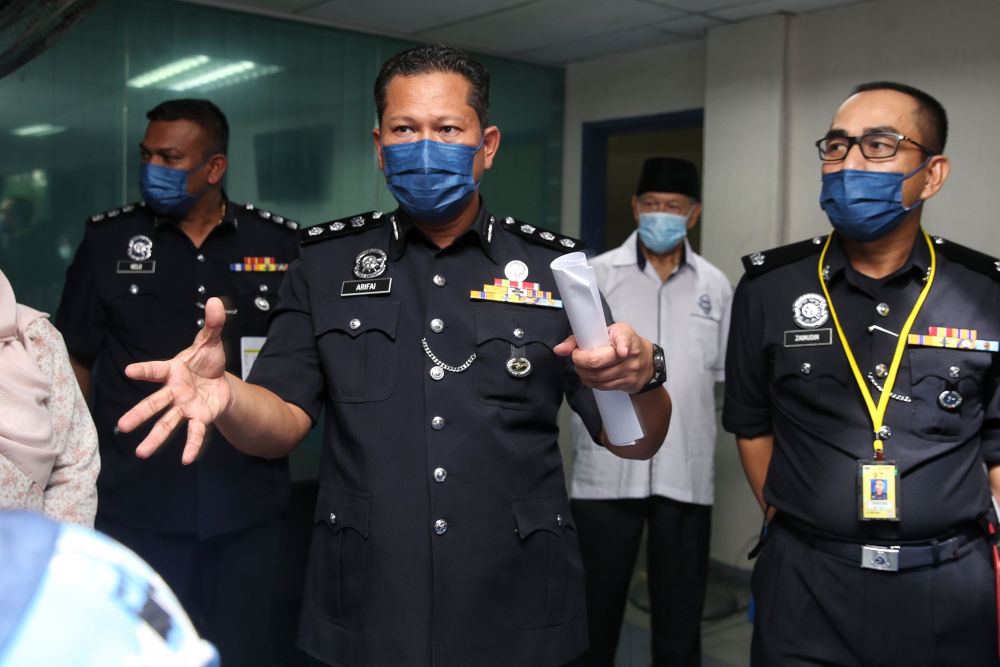 Gombak district police chief ACP Arifai Tarawe urged the public not to make baseless comments and racialise the whole situation as it may hamper investigations, amid the rise of the hashtag #JusticeForGanapathy. — Picture by Choo Choy May