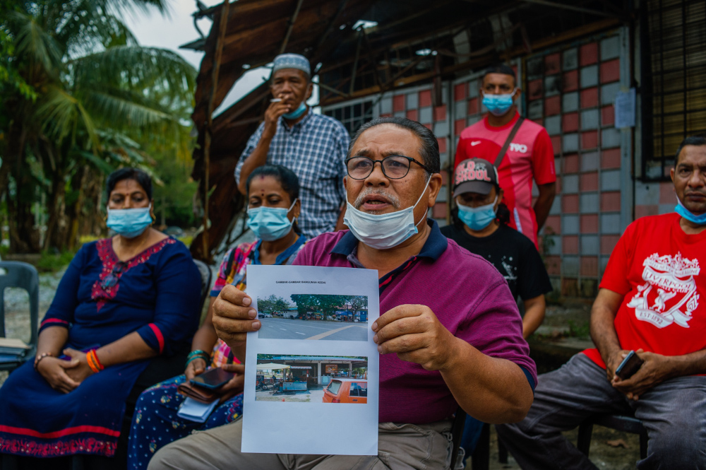 Baharudin Aminuddin speaks during press a conference on Kg Manickam Bangi Lama shops that were demolished in Bangi Old Town, April 7, 2021. — Picture by Shafwan Zaidon