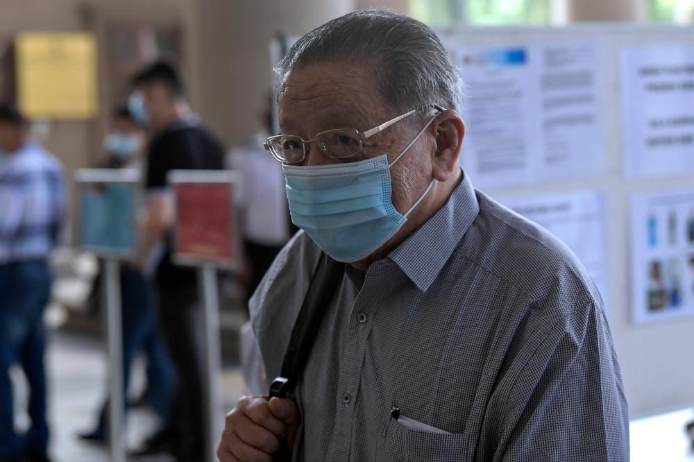 DAP advisor Lim Kit Siang at the High Court in Kuala Lumpur, April 8, 2021. — Bernama pic