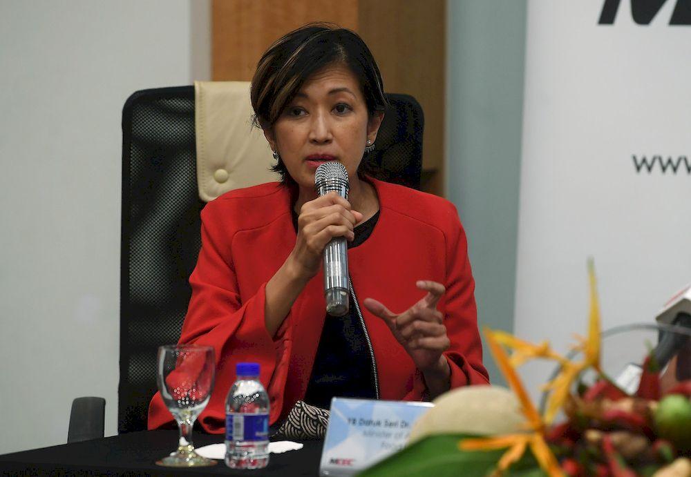 Malaysian Digital Economy Corporation (MDEC) Sdn Bhd Chief Executive Officer Surina Shukri speaking during a press conference at Malaysian Digital Corporation (MDEC) in Cyberjaya, April 2, 2021. — Bernama pic