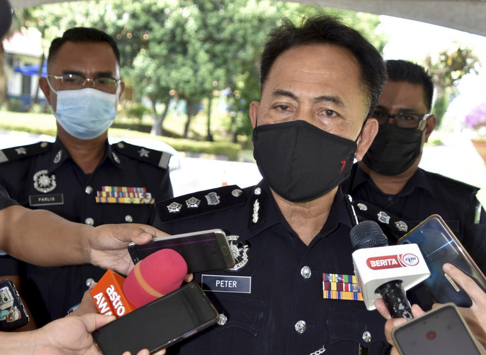 Tawau Police chief ACP Peter Umbuas said those who committed the offence could be investigated under the Penal Code, the Prevention and Control of Infectious Diseases (Measures within the Infected Local Areas) Regulations 2020, as well as the Police Act 1967. — Bernama pic