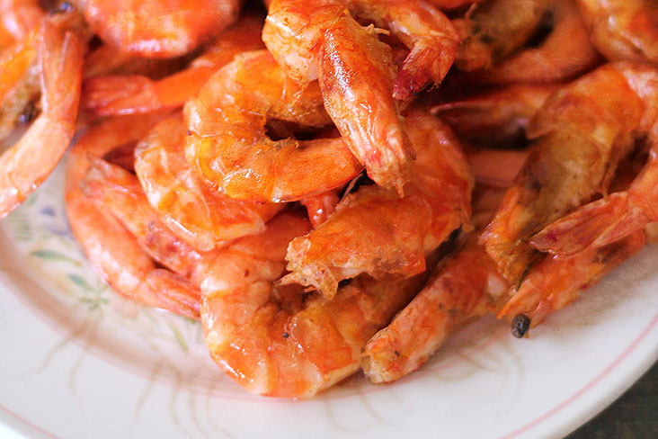 """Who needs gravy? Try this """"no sauce"""" tomato chilli prawns. – Pictures by CK Lim"""