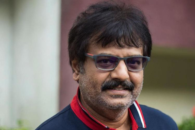Tamil cinema's popular comedian Vivekh was taken to hospital after reportedly suffering a cardiac arrest. — Picture via Twitter/Vivekh actor