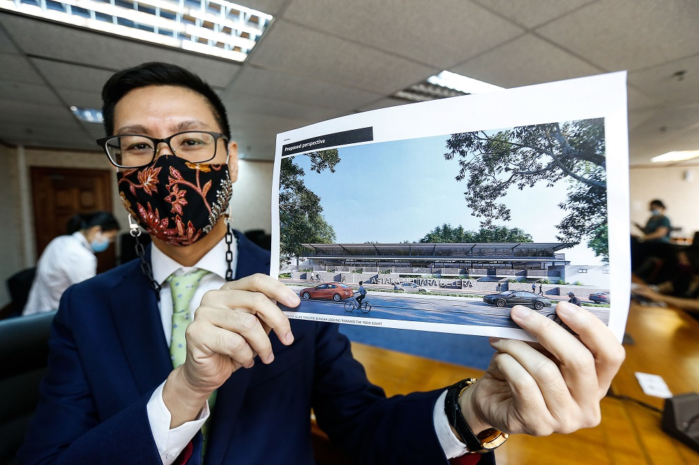Zairil shows an artist's impression of the new foodcourt to be built in Tanjung Bungah April 27, 2021. ― Picture by Sayuti Zainudin