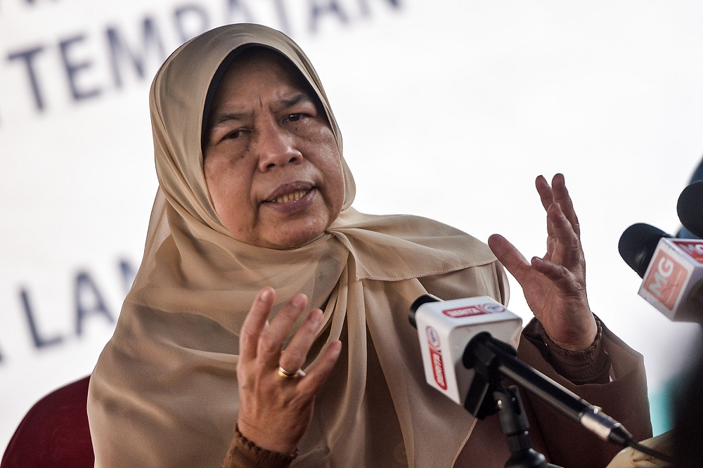 Housing and Local Government Minister Datuk Zuraida Kamaruddin speaks during a press conference in Kuala Langat April 15, 2021. ― Picture by Miera Zulyana