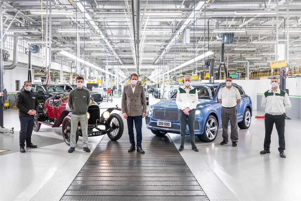 This Bentley Bentayga (right) is the 200,000th car to leave the British manufacturer's factory. ― Picture courtesy of Bentley via ETX Studio