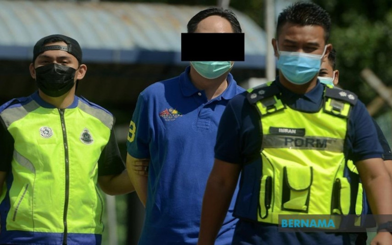 The Klang Magistrate's Court here issued a five-day remand order on an employer who beat up his two personal bodyguards for fasting April 18, 2021. — Picture via Twitter/Bernama